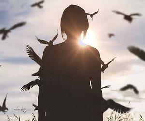 bird and بُنَاتّ image