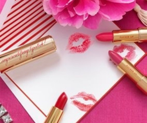 pink, kiss, and flowers image