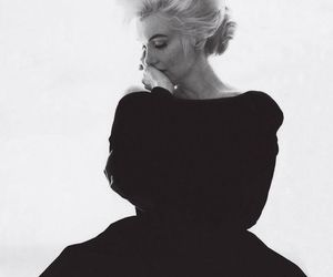 Marilyn Monroe, black and white, and vogue image