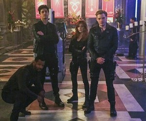 isaiah mustafa, shadowhunters, and matthew daddario image