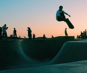 aesthetic, skateboarding, and sky image