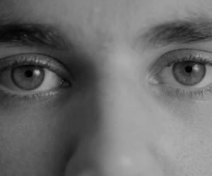 eyes and justin bieber image