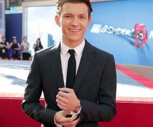 tom holland, spiderman, and Marvel image