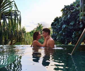 couple and laurdiy image