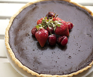 chocolate, desserts, and strawberries image