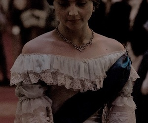 victoria, jenna coleman, and Queen image