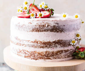 buttercream, cake, and pink image