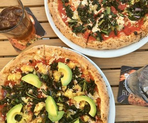 avocado, food porn, and pizza image
