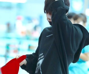 airport, fashion, and hyungwon image
