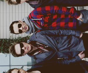 babes and McFly image
