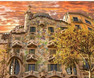 Barcelona, Gaudi, and casabastllo image