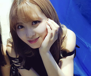 momo, twice, and icon image