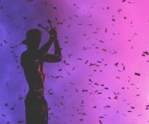 Image by |-/