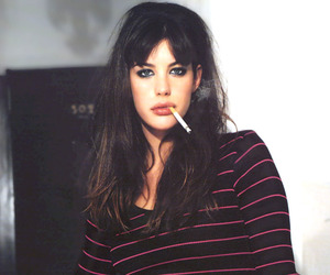liv tyler and cigarette image