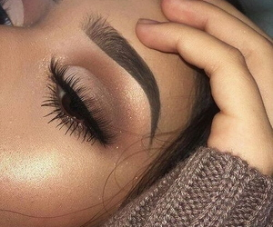 eyeshadow, highlight, and lashes image