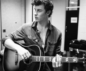 guitar, sexy, and shawn mendes image