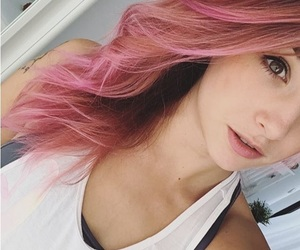 pink hair and ethieen image