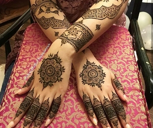 hand, hands, and henna image
