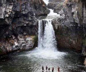 nature, oregon, and waterfalls image