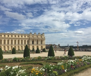 castle, maria antonieta, and garden image