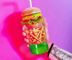 burger, limonade, and frites image