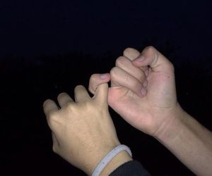 couple, grunge, and hands image