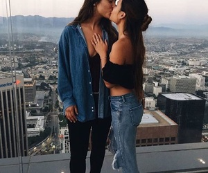 buildings, couple, and kiss image