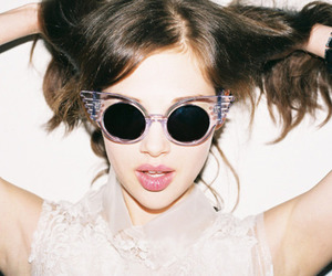 sunnies, brunette, and fashion image