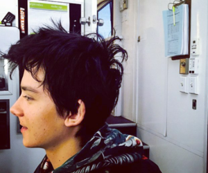 asa butterfield and hair image