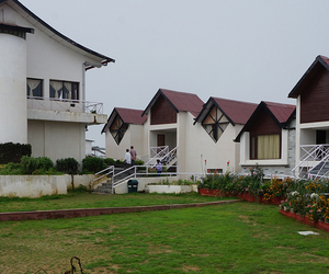 luxury resorts, 3 star hotels in shimla, and resorts in shimla image