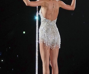 concert, Swift, and taylor image