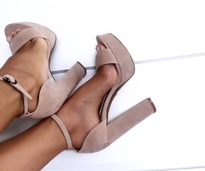 heels, pretty, and Nude image