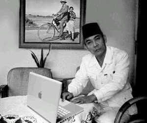 indonesia, lol, and soekarno image