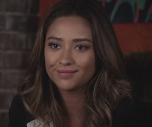 icons, pretty little liars, and emily fields image
