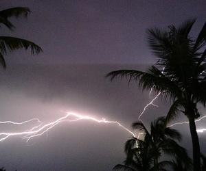 lightning, grunge, and pale image