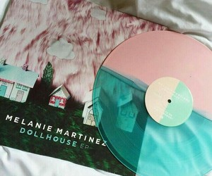 dollhouse, melanie martinez, and vinyl image