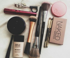 beauty, mascara, and urban decay image