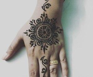 hands, henna, and henna tattoes image