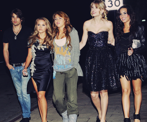 miley cyrus, demi lovato, and Taylor Swift image