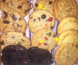 chocolate, chocolate chip cookies, and Cookies image