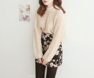autumn, outfit, and pale image