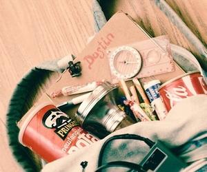 stranger things, bag, and dustin image