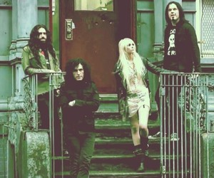 Taylor Momsen, the pretty reckless, and ben philips image