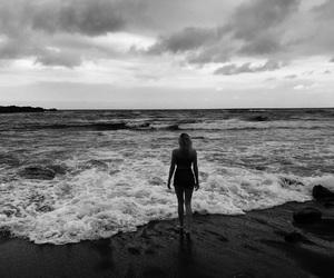 b&w, beach, and black ad white image