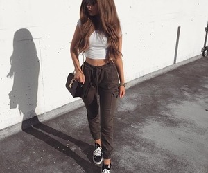 black and white, fashion trends, and fashion+style+outfit image