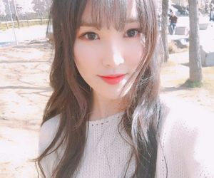 yuju, gfriend, and kpop image