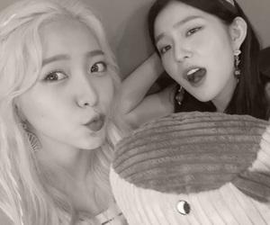 korean, kpop, and red velvet image
