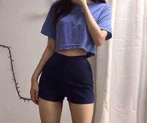 girl, outfit, and body image