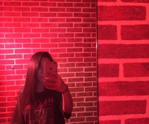 mirror and red image