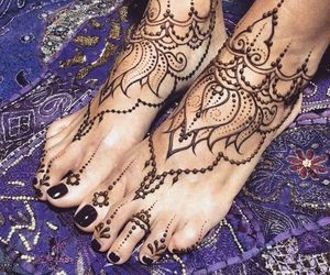 foot and henna image